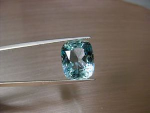 aquamarin 10.65 ct. antikform